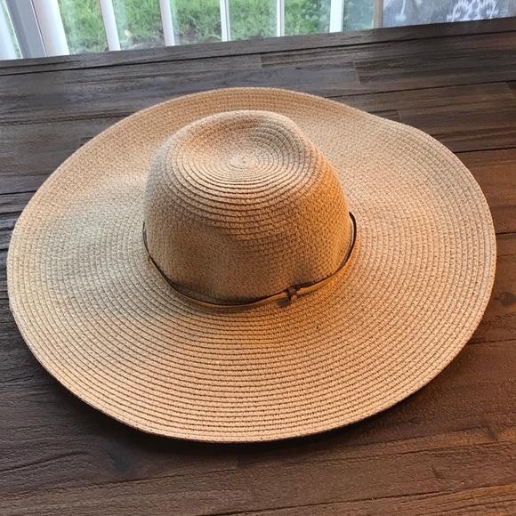 6f28e495ca0 Nordstrom Rack Large Brim Straw Sun Hat NWT